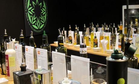 Vente et dégustations d'huiles d'olive AVPA 28 mai 2016